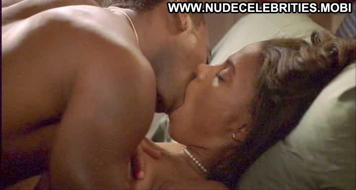 Sanaa lathan lesbian kiss