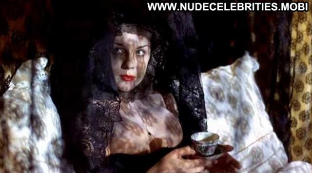 Ann Margret Joseph Andrews Celebrity Black Breasts Big Tits Bed
