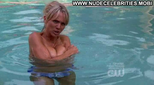 Barbara Alyn Woods One Tree Hill Topless Woods Breasts Celebrity