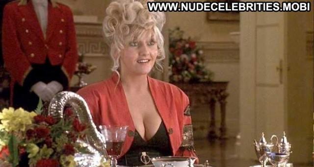 Camille Coduri King Ralph  Breasts Big Tits Celebrity Black Cleavage