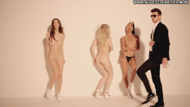 Emily Ratajkowski Blurred Lines Unrated Music Video Model Sexy