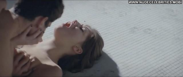 Adele Exarchopoulos Apnee  Breasts Big Tits Celebrity Floor