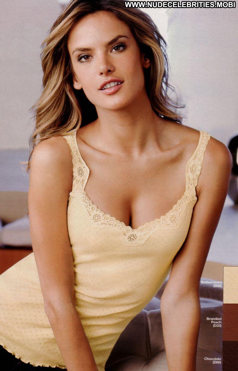 ... Hot Latina Brazil Supermodel Brown Hair Celebrity Photos and Videos