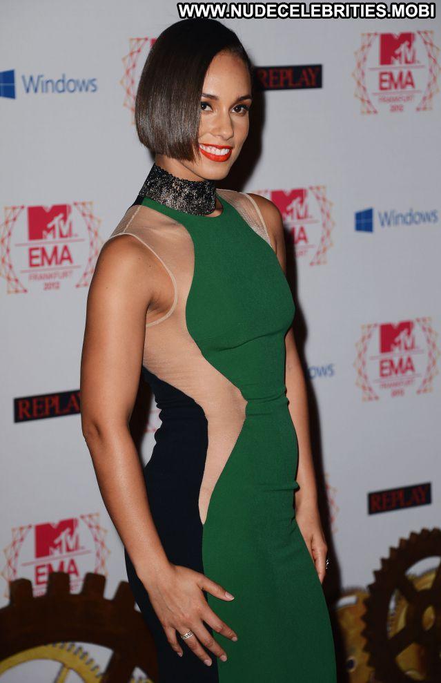 Alicia Keys No Source  Celebrity Singer Nude Scene Nude Celebrity