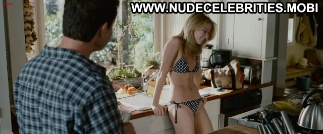 Amber Heard Nude Sexy Scene The Stepfather Kitchen Pool Doll