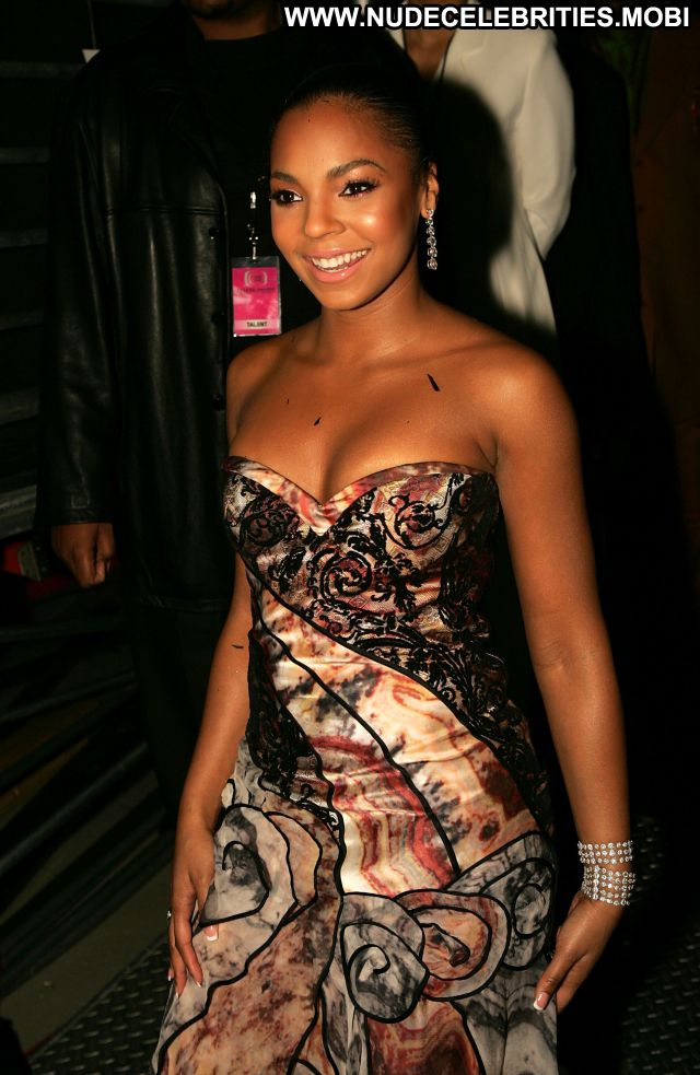Ashanti No Source  Nude Posing Hot Celebrity Nude Scene Hot Babe