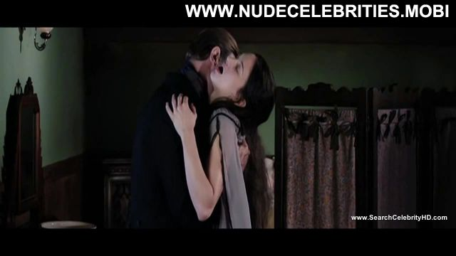 Asia Argento Dracula  D 3d Posing Hot Celebrity Nude Sexy Sexy Scene