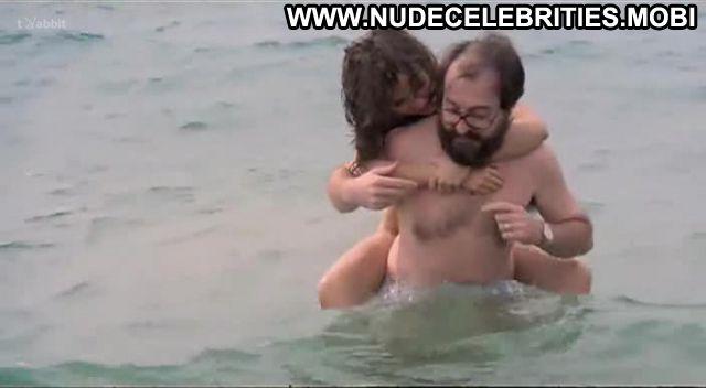 Carmen Perez Nude Sexy Scene La Quinta Del Porro Nudist Doll