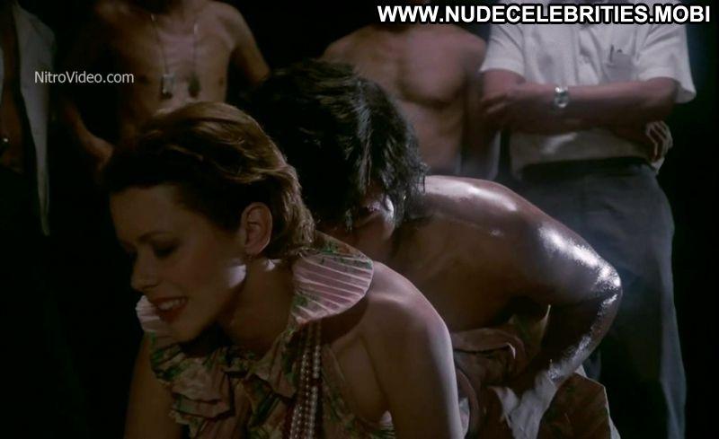 eroticheskie-stseni-iz-filma-emmanuel-video
