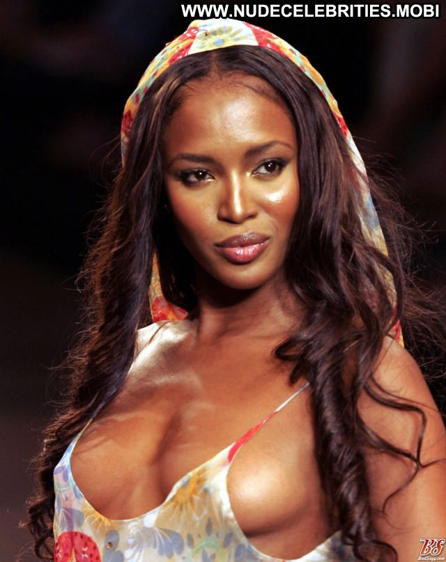 Naomi Campbell No Source Showing Tits Posing Hot Cute Nude Showing