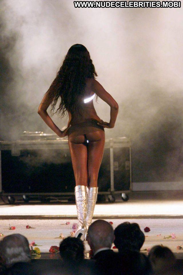 Naomi Campbell No Source Hot Nude Scene Posing Hot Showing Ass