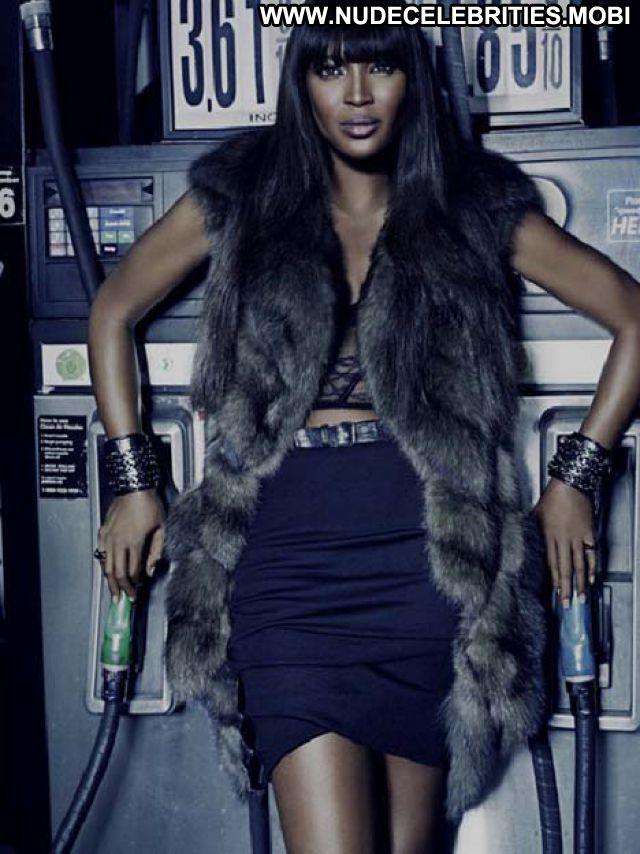 Naomi Campbell No Source Posing Hot Ebony Hot Celebrity Celebrity