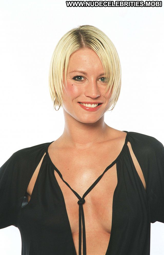 Denise Van Outen No Source Celebrity Hot Cute Blonde Nude Big Tits