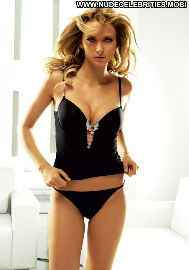 Eva Padberg No Source Posing Hot Celebrity Hot Nude Scene Nude