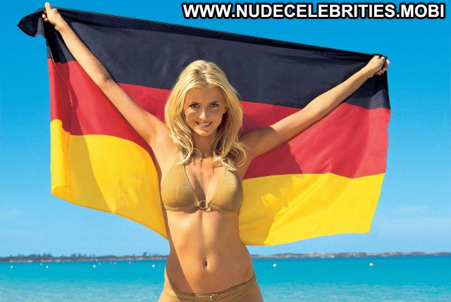 Eva Padberg German Nude Scene Showing Tits Big Tits Blonde