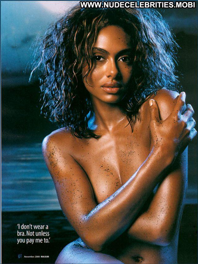 Shakara Ledard Celebrity Posing Hot Babe Ebony Nude Bikini Manyvids 1