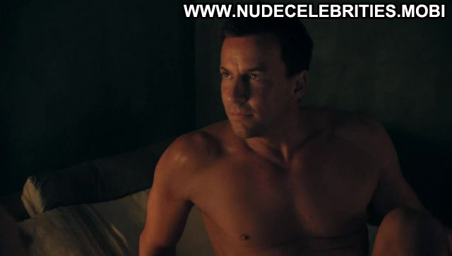 Nackt  Mangan Hanna Lawrence /Nude: Celebrities