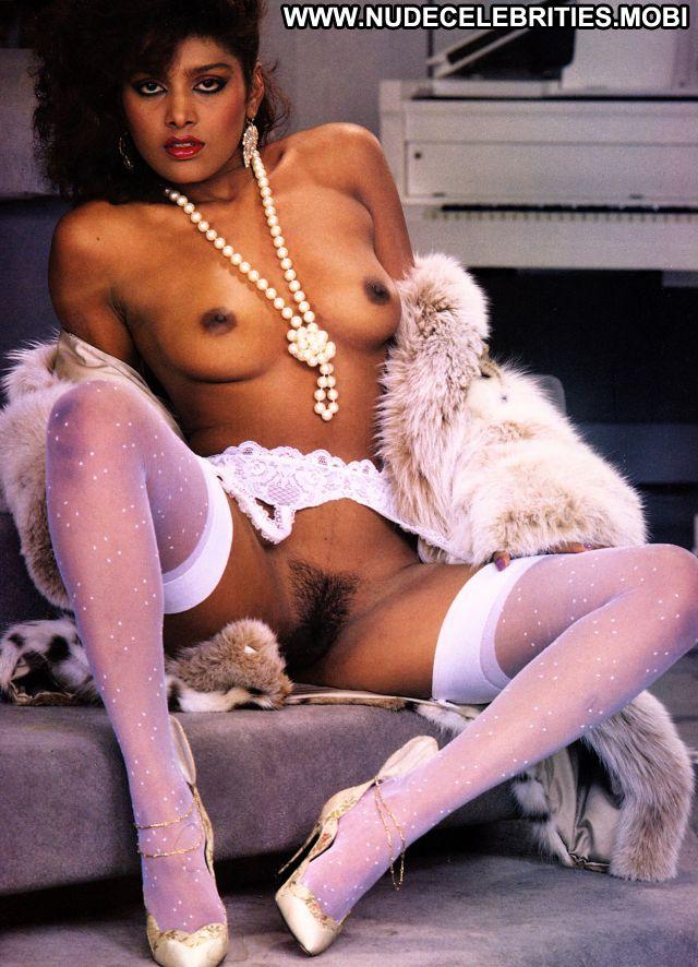 Juliet Reagh Big Tits Sex Scene Hot Nude Scene Celebrity Babe Tits