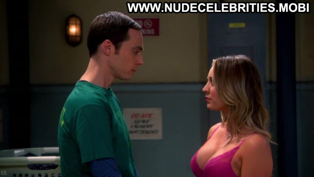 Kaley Cuoco The Big Bang Theory Celebrity Sexy Scene Celebrity Sexy