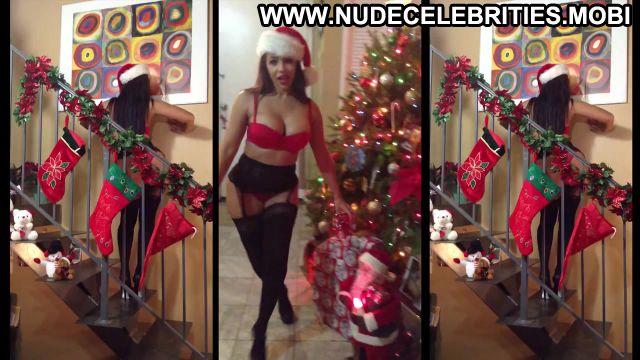 Vida Guerra Nude Sexy Scene Huge Ass Christmas Stockings Hot