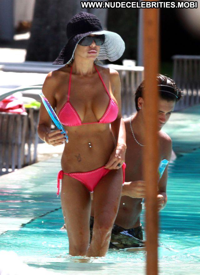 Shauna Sand Nude Sexy Scene Playmate Pool Big Tits Bikini