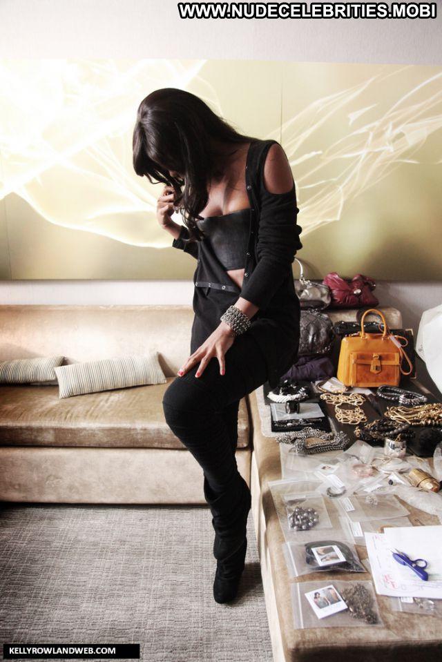 Kelly Rowland No Source Posing Hot Ebony Posing Hot Sexy Nude Scene
