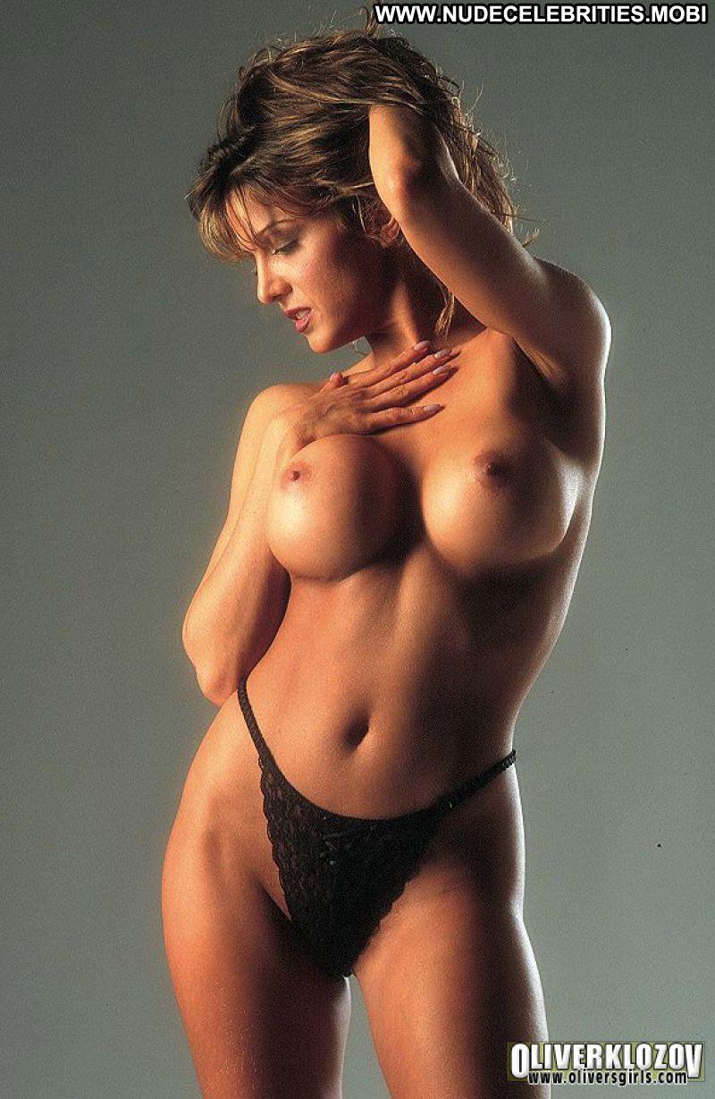 actress tracy scoggins nude
