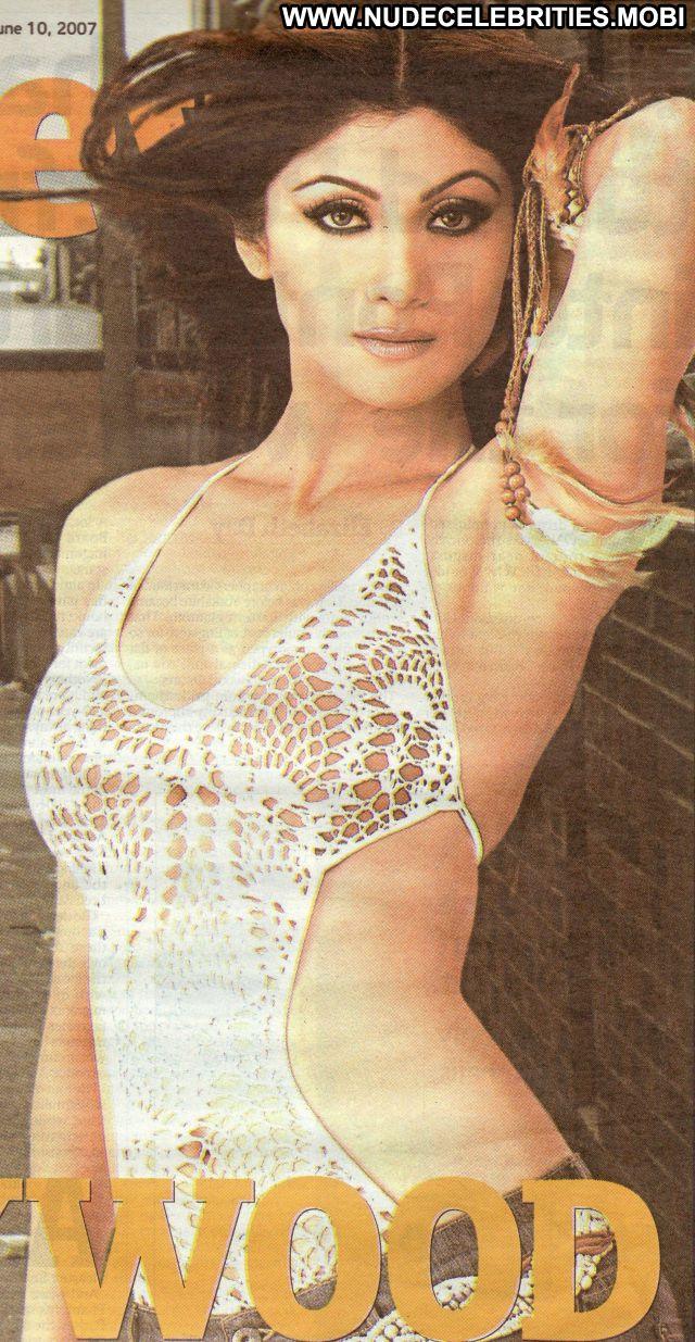 Shilpa Shetty Horny Babe Cute Beautiful Famous Posing Hot