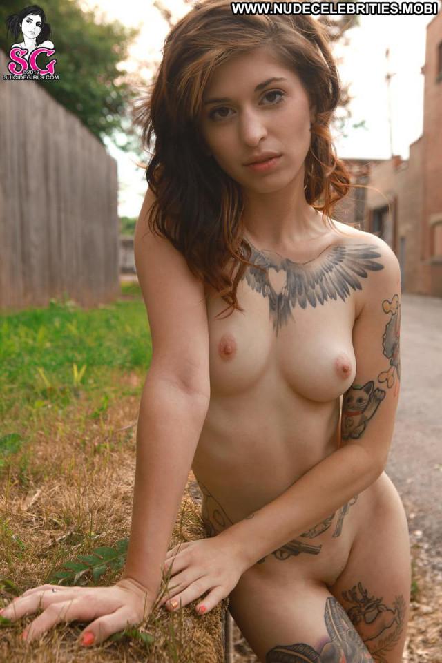 Pink Vera Sexy Shirt Babe Model Shaved Tattoo Babe Boobs Desert Sex