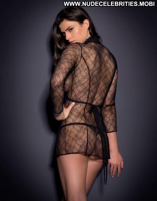 Nicole Harrison No Source Babe Model Posing Hot Hot Beautiful