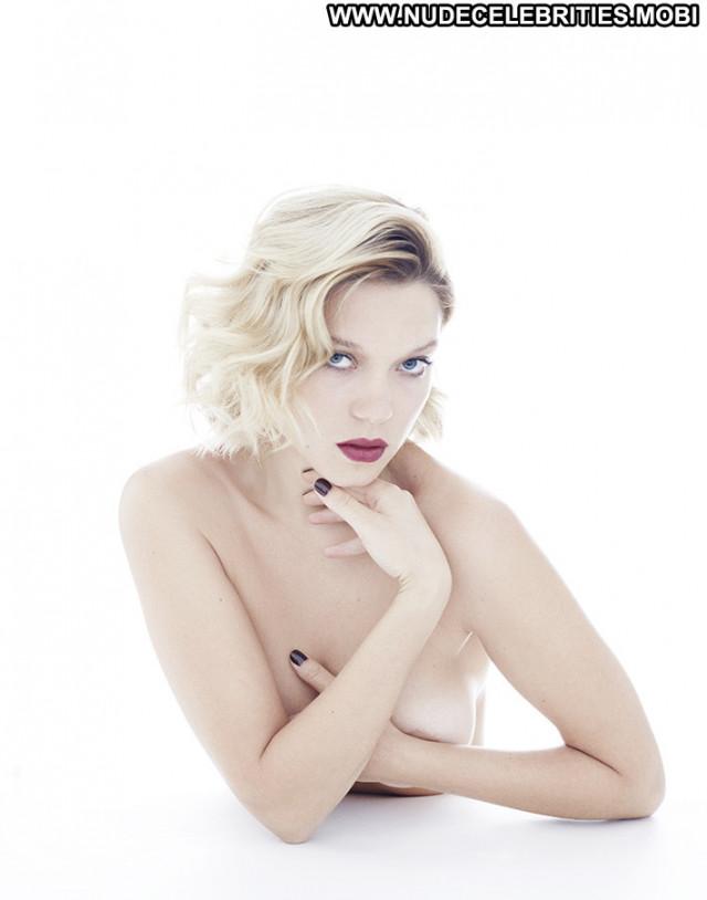 Rita Ora No Source Topless Beautiful Celebrity Posing Hot Toples Babe