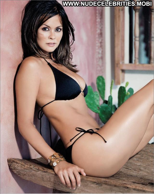 Brooke Burke No Source Posing Hot Babe Beautiful Sexy Celebrity Wild