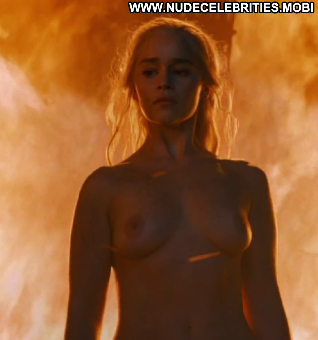 Emilia Clarke Game Of Thrones Naughty Bar Beautiful Car Celebrity Bed