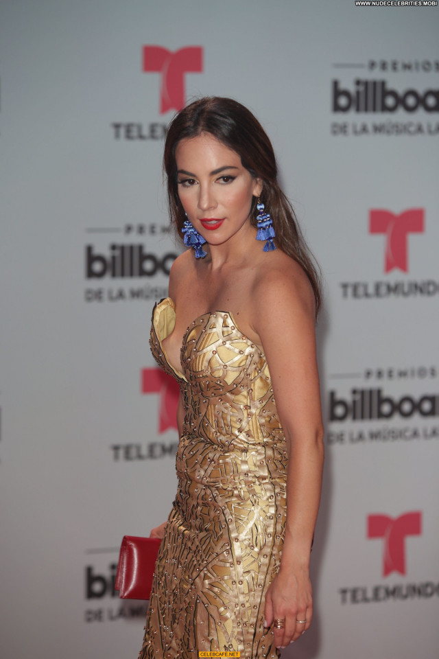 Mariana Atencio No Source Awards Latin Wardrobe Malfunction Beautiful
