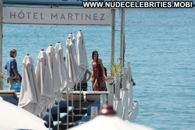 Photos No Source  Posing Hot Babe Celebrity Beautiful Bikini