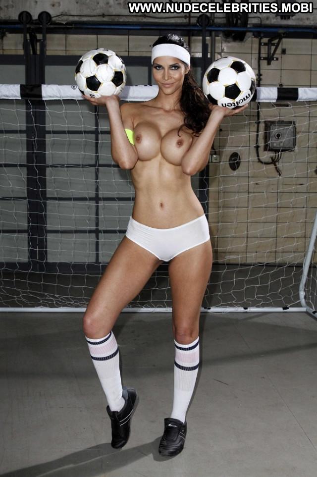 Arianny Celeste No Source Posing Hot Babe Glamour Babe Beautiful Legs