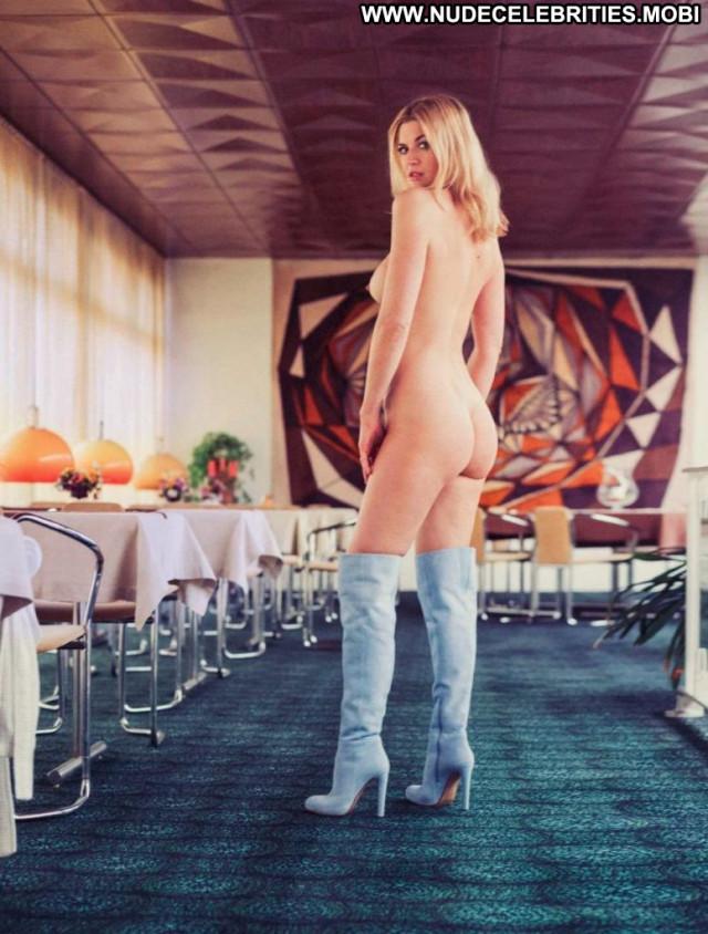 Nina Bott Cameron Davis Desi Nyc Sex Lake Live Xxx Male Europe Porn