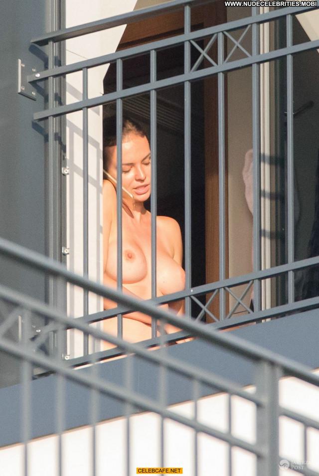 Anna Wendzikowska No Source Posing Hot Beautiful Big Tits Boobs Bus