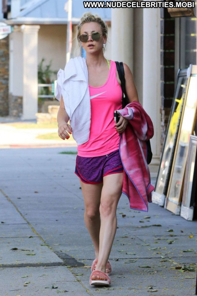 Kaley Cuoco Yoga Class Babe Posing Hot Paparazzi Beautiful Celebrity