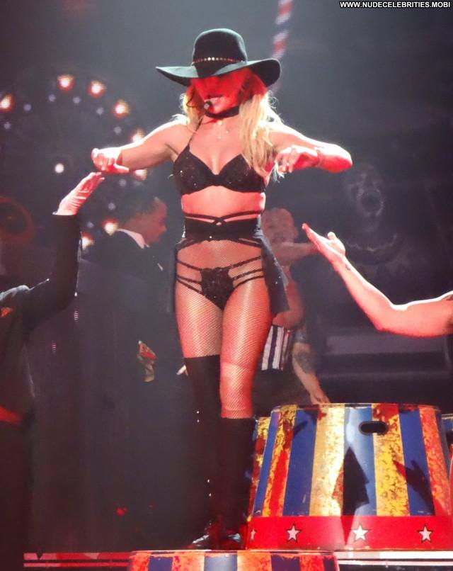 Britney Spears Las Vegas Posing Hot Stage International Solo Live