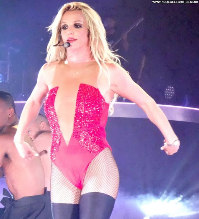 Britney Spears Las Vegas Beautiful American Posing Hot Oops Live