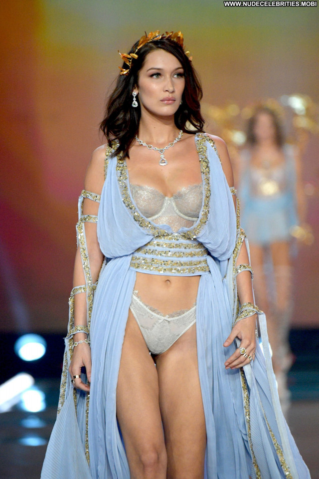 Elsa Hosk Fashion Show Usa Nip Slip Sex Photoshoot Posing Hot Babe