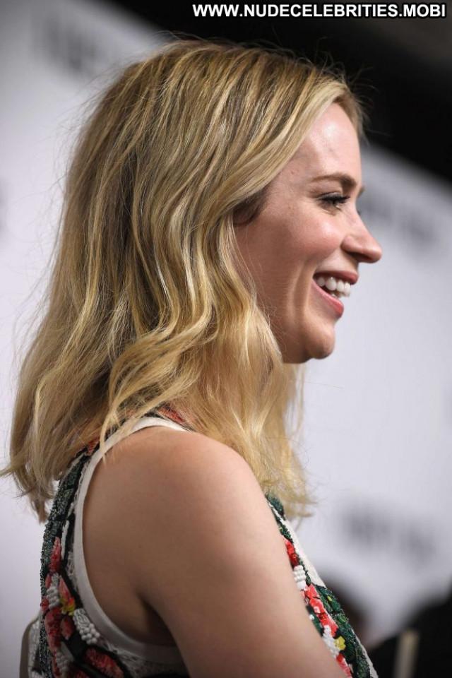 Emily Blunt No Source London Paparazzi Beautiful Babe Celebrity