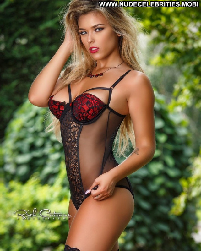 Sports Illustrated Sports Illustrated Magazine British Curvy Blonde