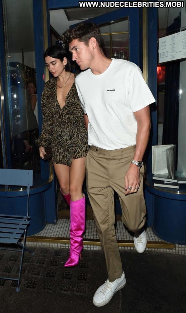 Dua Lipa No Source Celebrity Beautiful Posing Hot Babe Car Paparazzi