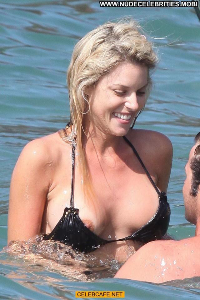 Carrie Prejean No Source Beautiful Hawaii Paparazzi Posing Hot Nipple