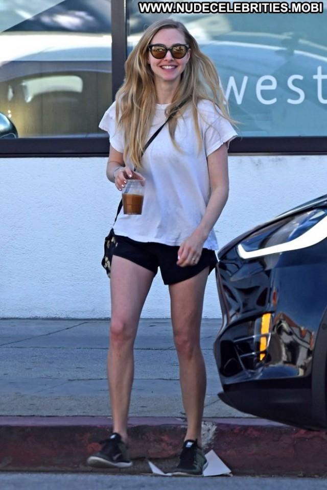 Amanda Seyfried Los Angeles  Angel Posing Hot Paparazzi Shopping