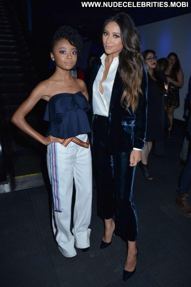 Shay Mitchell New York Babe Beautiful Celebrity Awards Posing Hot