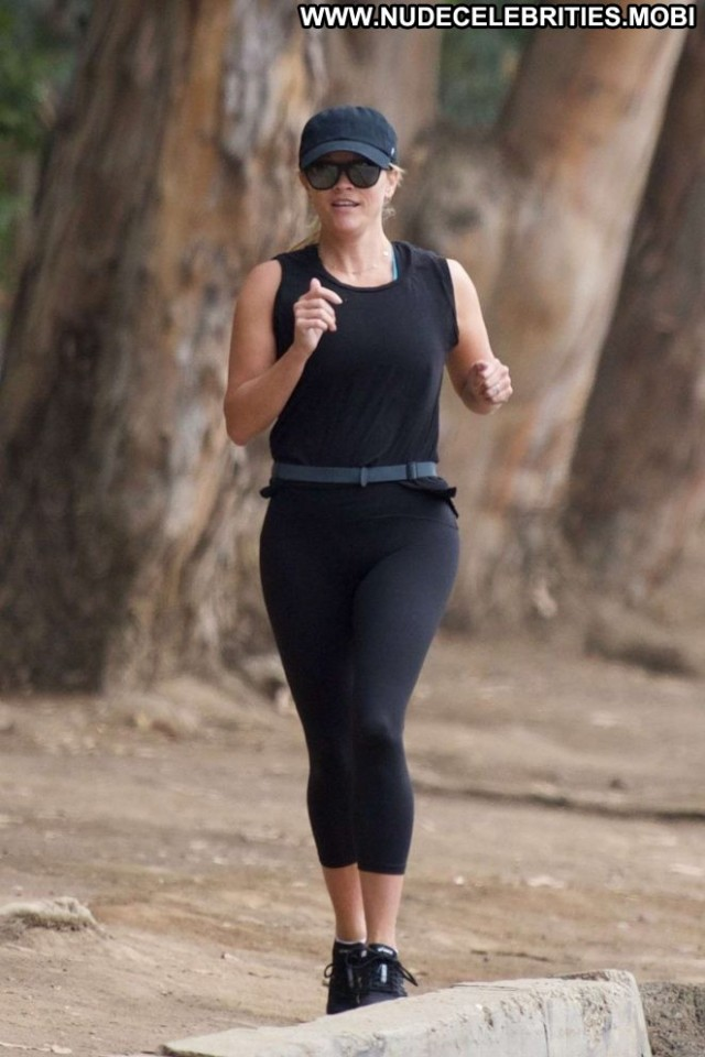 Reese Witherspoon Los Angeles Paparazzi Angel Jogging Babe Beautiful