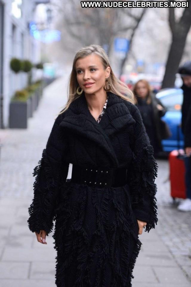 Joanna Krupa No Source Beautiful Posing Hot Celebrity Black Paparazzi